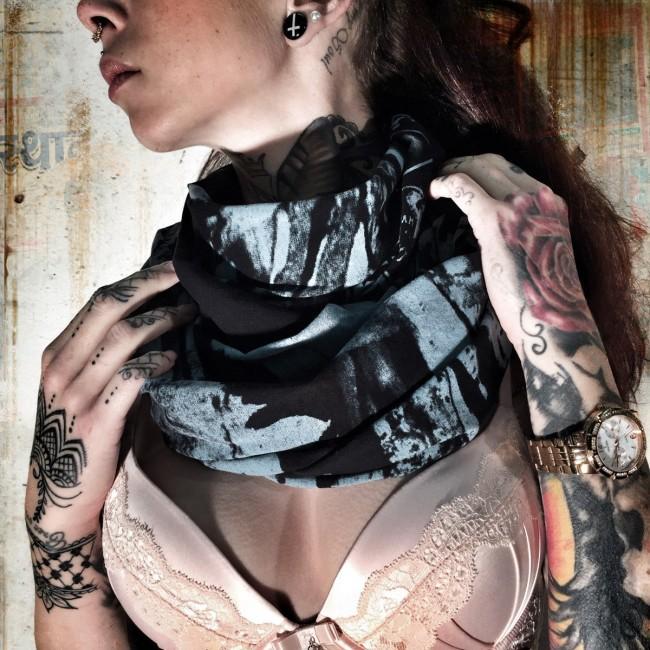Šátek YAKUZA Indian Skull - černý